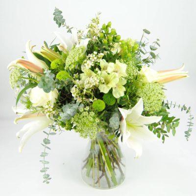 Enviar Flores Con Lilium Blanco, Crisantemos Baloon, Rosa Blanca, Alstromelia Blanca, Animajus, Eucalipto