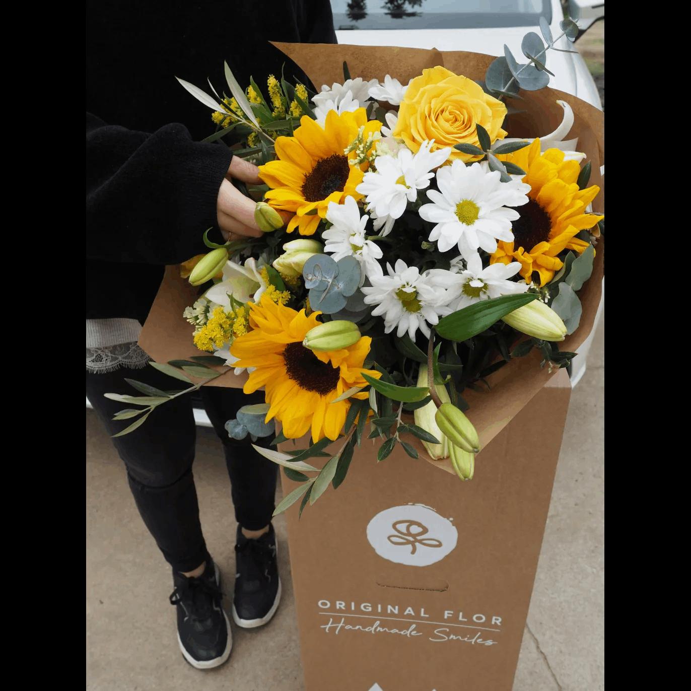 ramo flores para mujer rosas amarillas margaritas girasoles