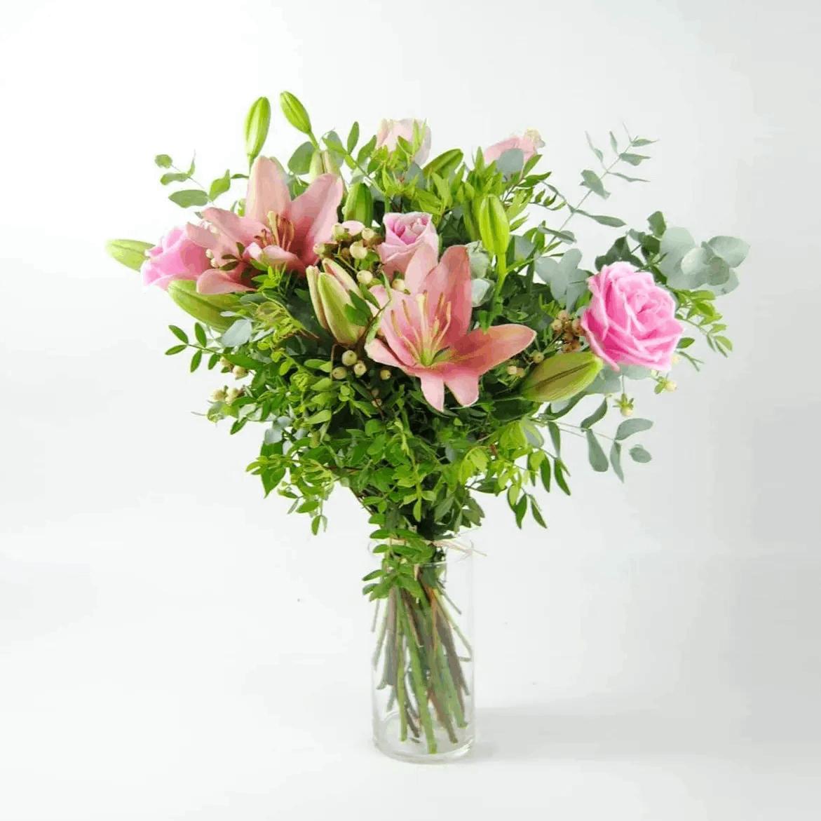Ramo de Rosas Rosas Lilium Hipericum - Pinkish