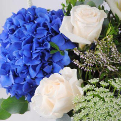 Hortensias Azules, Rosas, Eringium, Anymagus Y Eucalipto - Originalflor