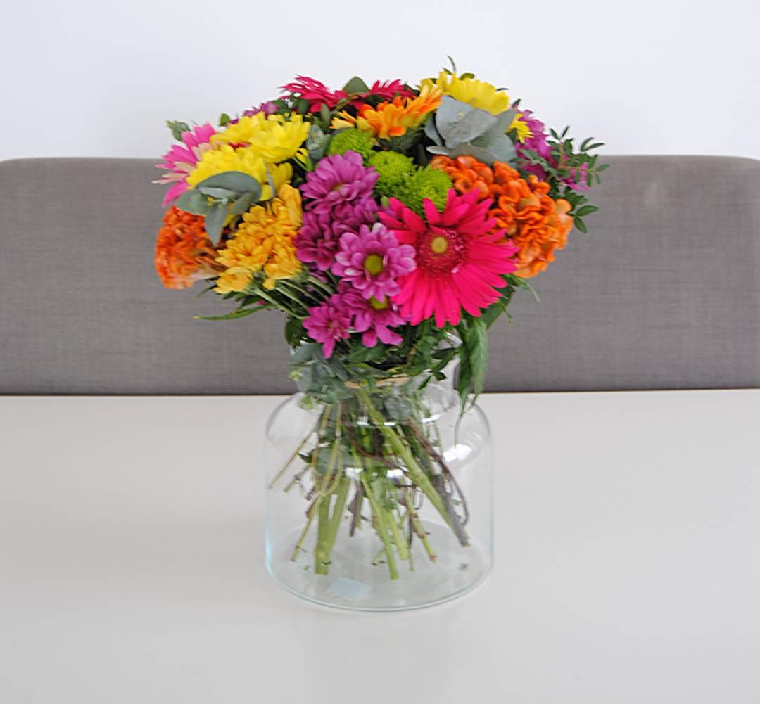 flores con margarita amarilla, margarita fucsia, margarita naranja, margarita verde, celosía naranja, gerbera fucsia, gerbera naranja, gerbera amarilla, gerbera rosa - originalflor
