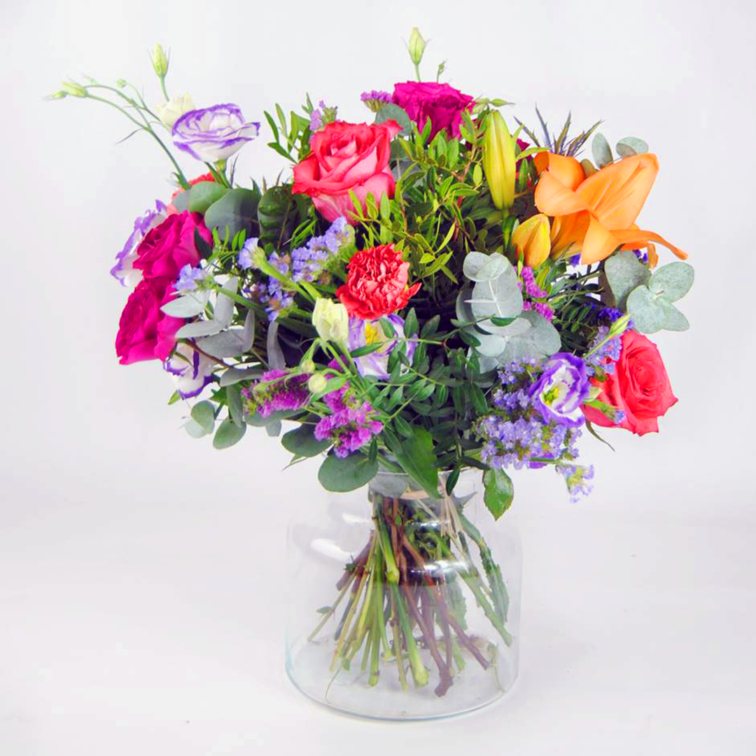 claveles, rosas pititmi, rosas rojas - Ramo de flores